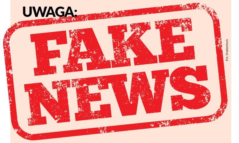 na rużowym tle czarny napis Uwaga: oraz duży czerwony napis w ramce: fake news.