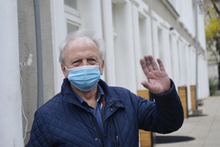 Dyrektor Zbigniew Ogonowski pozdrawia